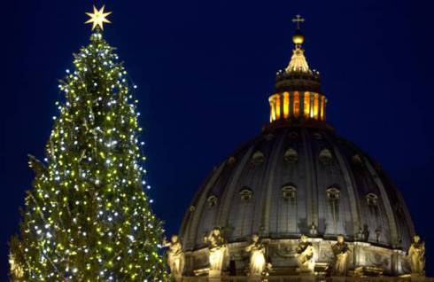 Natale a Roma: alberi di Natale (abeti natalizi), Presepi e luminarie nella città